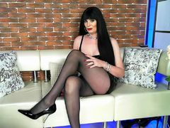 DianaTG2000 - shemale with black hair webcam at LiveJasmin