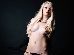 dirtyLora01 - blond female webcam at LiveJasmin