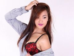 Flirtiexxx - female with brown hair and  small tits webcam at LiveJasmin
