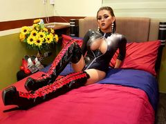 FlirtyWhoreDevil from LiveJasmin