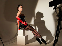 GlamyAnya - female with black hair webcam at LiveJasmin