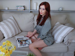 GreatTeenSexxx - female with brown hair webcam at LiveJasmin