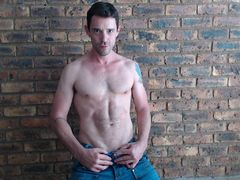 MyAssIsUrs - male webcam at LiveJasmin
