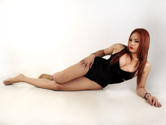 HUGEMISTRESSCOCK - shemale with red hair webcam at LiveJasmin