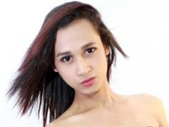 hyperwildcumer - shemale with black hair webcam at LiveJasmin
