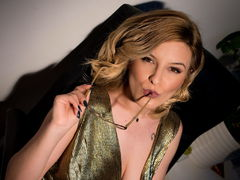 JessieBond - blond female with  big tits webcam at LiveJasmin