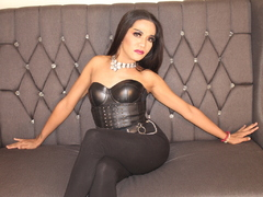 ExoticaJewelTs - shemale with brown hair webcam at LiveJasmin