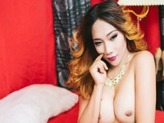 JOYCEforBEDTIME - shemale with brown hair webcam at LiveJasmin