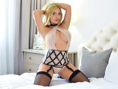 JulietteMcQueen - blond female with  big tits webcam at LiveJasmin
