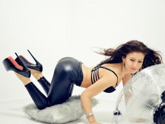 KarinASS - female with brown hair webcam at LiveJasmin