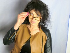KelllyShow - female with black hair and  big tits webcam at LiveJasmin