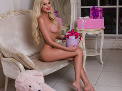 LatikaBaby - blond female with  big tits webcam at LiveJasmin