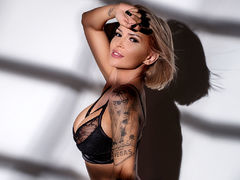 LexiMoon - female with brown hair and  big tits webcam at LiveJasmin