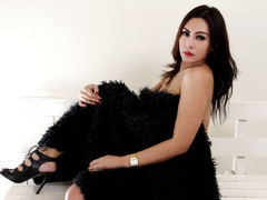 LoveClowieXX - shemale with black hair webcam at LiveJasmin