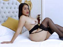 MadamFox - female with black hair and  big tits webcam at xLoveCam
