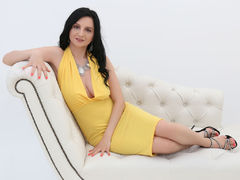 BodaciousxGirl - female with black hair and  big tits webcam at xLoveCam