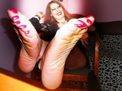 MistressConnie - female with red hair webcam at ImLive
