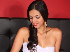 MollyA - female with black hair webcam at LiveJasmin