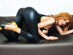 alinuta83 - blond female webcam at LiveJasmin