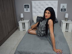 Paris_Belle - shemale with black hair webcam at ImLive