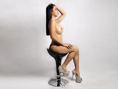 PinayLEGENDARY - blond shemale webcam at LiveJasmin