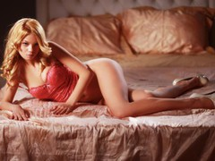 PrettyElly - blond female with  big tits webcam at LiveJasmin