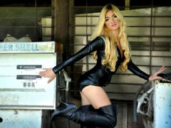 PrincessFROST - blond shemale webcam at LiveJasmin