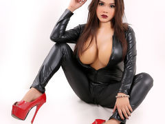 QueenPerfection - shemale with black hair webcam at LiveJasmin