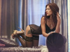 Rebecca - female with brown hair and  big tits webcam at LiveJasmin