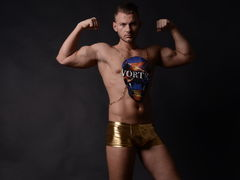 RickyRico - male webcam at LiveJasmin
