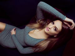 RisiMendezz - female with brown hair and  big tits webcam at LiveJasmin