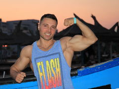 rippedmuscle from LiveJasmin