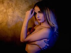 RosseMclay - blond female webcam at LiveJasmin