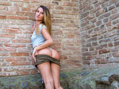 RoxXxaneJASMIN - female with brown hair webcam at LiveJasmin