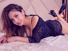 ScarlettMcKay - female with brown hair and  big tits webcam at LiveJasmin