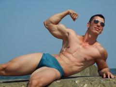 MuscularGOD from LiveJasmin