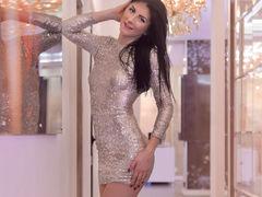 SoniaMartinny - female with black hair webcam at ImLive