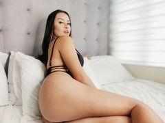 STARinAMillion - shemale with black hair webcam at LiveJasmin