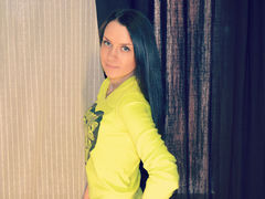 StefanyCloss - female with black hair webcam at LiveJasmin