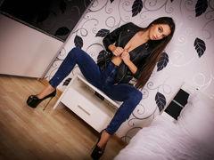 StephanyKitty - female with black hair webcam at LiveJasmin