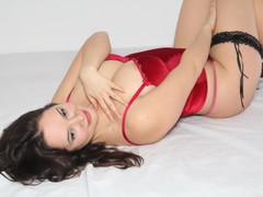 SweetSexi4U - female with black hair and  big tits webcam at LiveJasmin