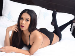 TasteOfInnocence - shemale with black hair webcam at LiveJasmin