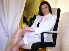 TeacherIsHere - female with brown hair webcam at LiveJasmin