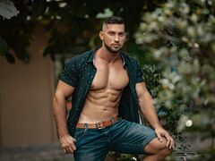 TheSexyHunk - male webcam at LiveJasmin