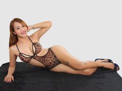 ts7foryou - shemale with brown hair webcam at LiveJasmin