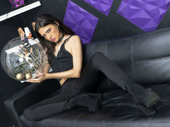 UrsulaManver - shemale with brown hair webcam at LiveJasmin