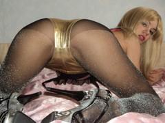 Vileno4ka - female with black hair webcam at LiveJasmin