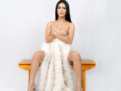 xHotclassKristax - shemale with black hair webcam at LiveJasmin