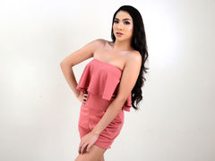 xJuicyCockMARIAx - shemale with black hair webcam at LiveJasmin