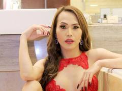 xxNAOMIx - shemale with brown hair webcam at LiveJasmin